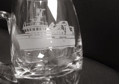 Glass Bubble Base Tankard – Boat